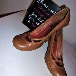 womans size 8 brown tan high heel dress shoes